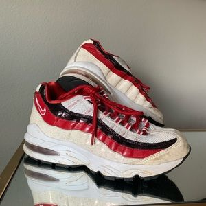 Nike Air Max 95 Valentines Day 5.5 - Red, Black